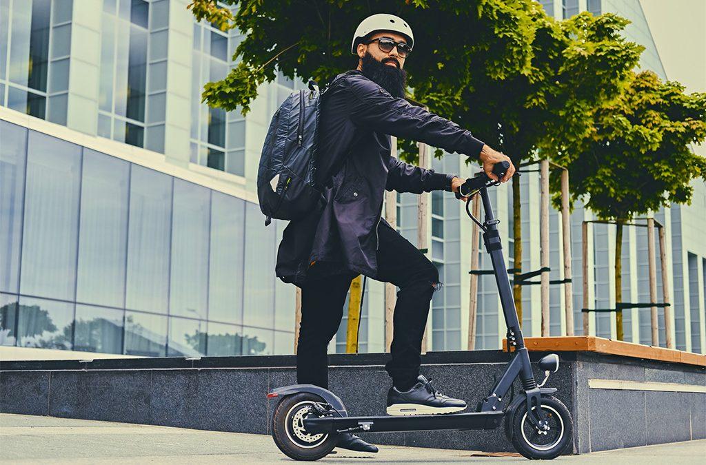 Como circular de manera segura en tu patinete o bici eléctrica